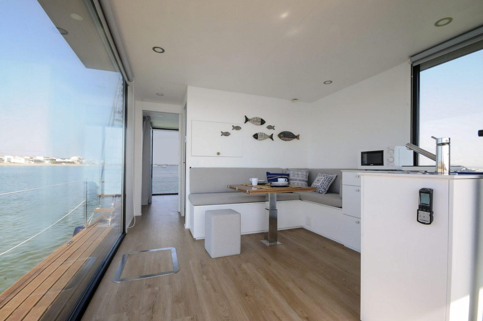 Sala - Alojamento barco casa na Ria Formosa, Faro, Algarve, Portugal