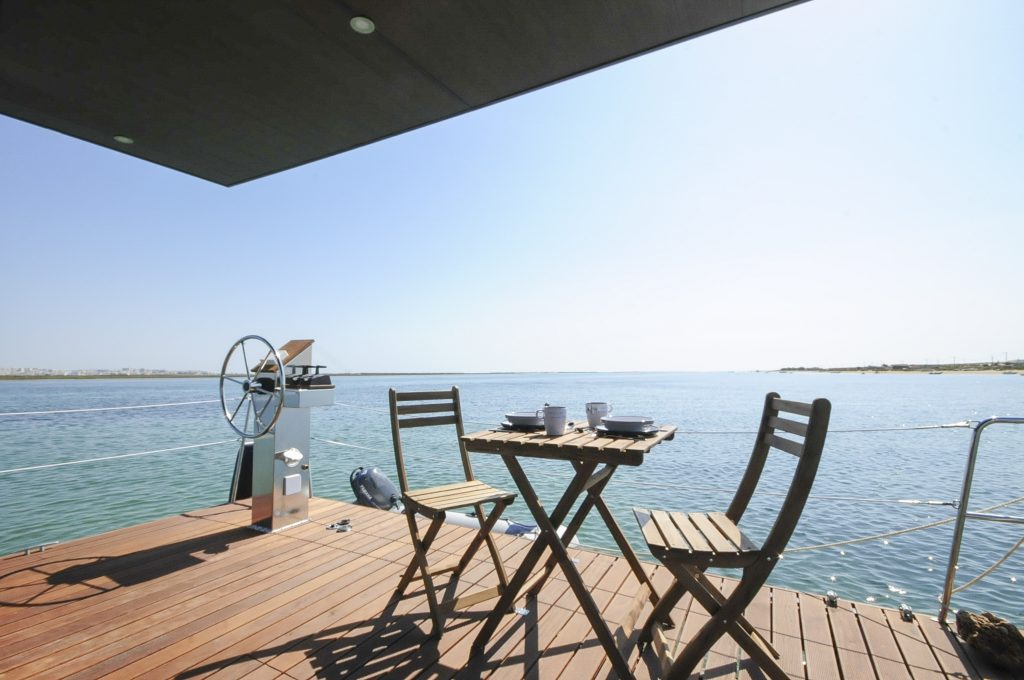 Deck - Alojamento barco casa na Ria Formosa, Faro, Algarve, Portugal