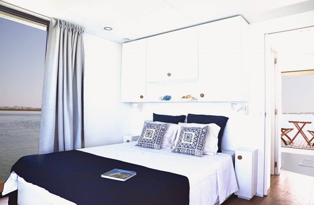 Quarto - Alojamento barco casa na Ria Formosa, Faro, Algarve, Portugal