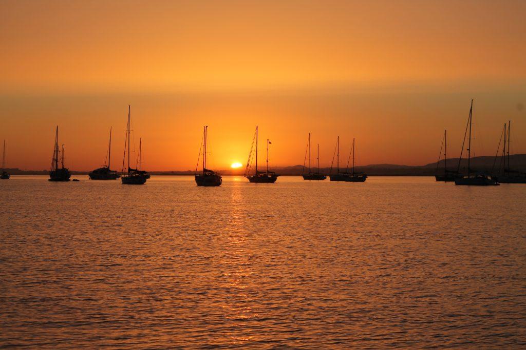 Barco Casa Por do Sol
